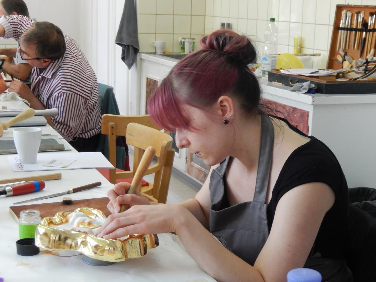 kurse farbliche gestaltung vergolden fassmalen restaurieren schnitzschule geisler moroder. Black Bedroom Furniture Sets. Home Design Ideas